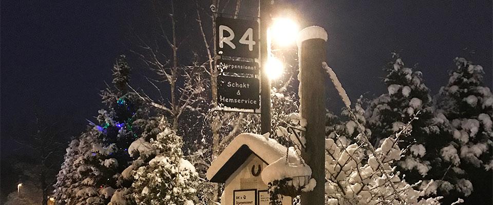 R4 skyltar vinter